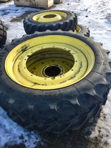 JD Tractor Tires & Duals on Rims